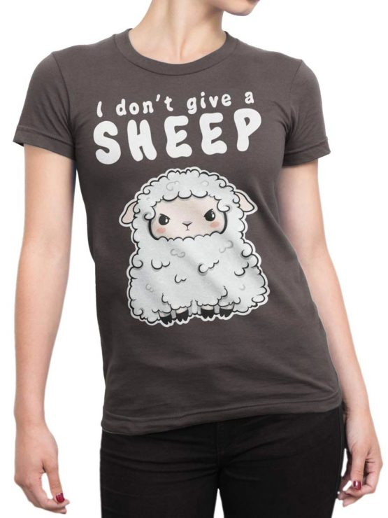 0570 Cute Shirt Give a Sheep Front Woman